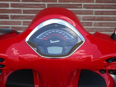 2019 Vespa GTS Super 300 in Bellevue, Washington - Photo 6