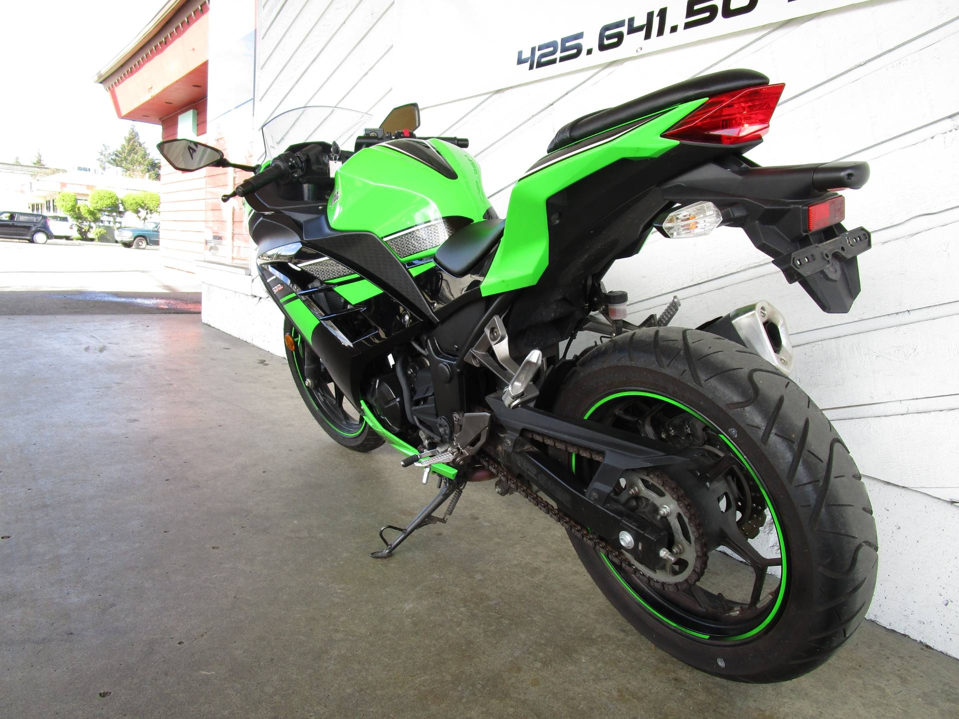 2014 Kawasaki Ninja® 300 SE in Bellevue, Washington