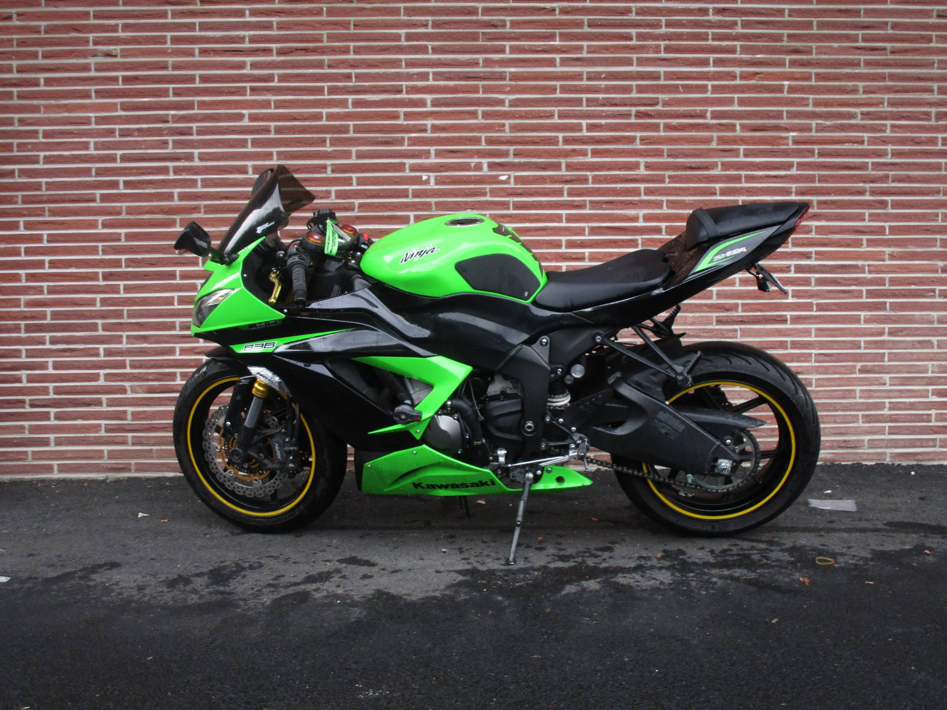 2013 Kawasaki Ninja® ZX™-6R ABS in Bellevue, Washington - Photo 4