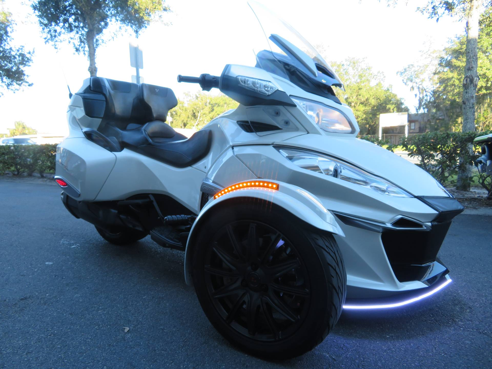 2016 Can-Am Spyder RT-S SE6 in Sanford, Florida - Photo 2