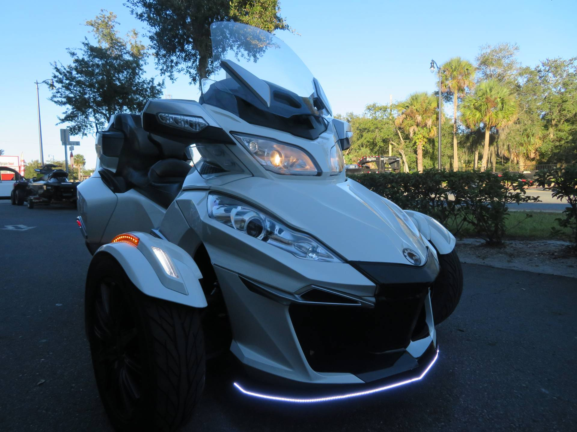 2016 Can-Am Spyder RT-S SE6 in Sanford, Florida - Photo 3
