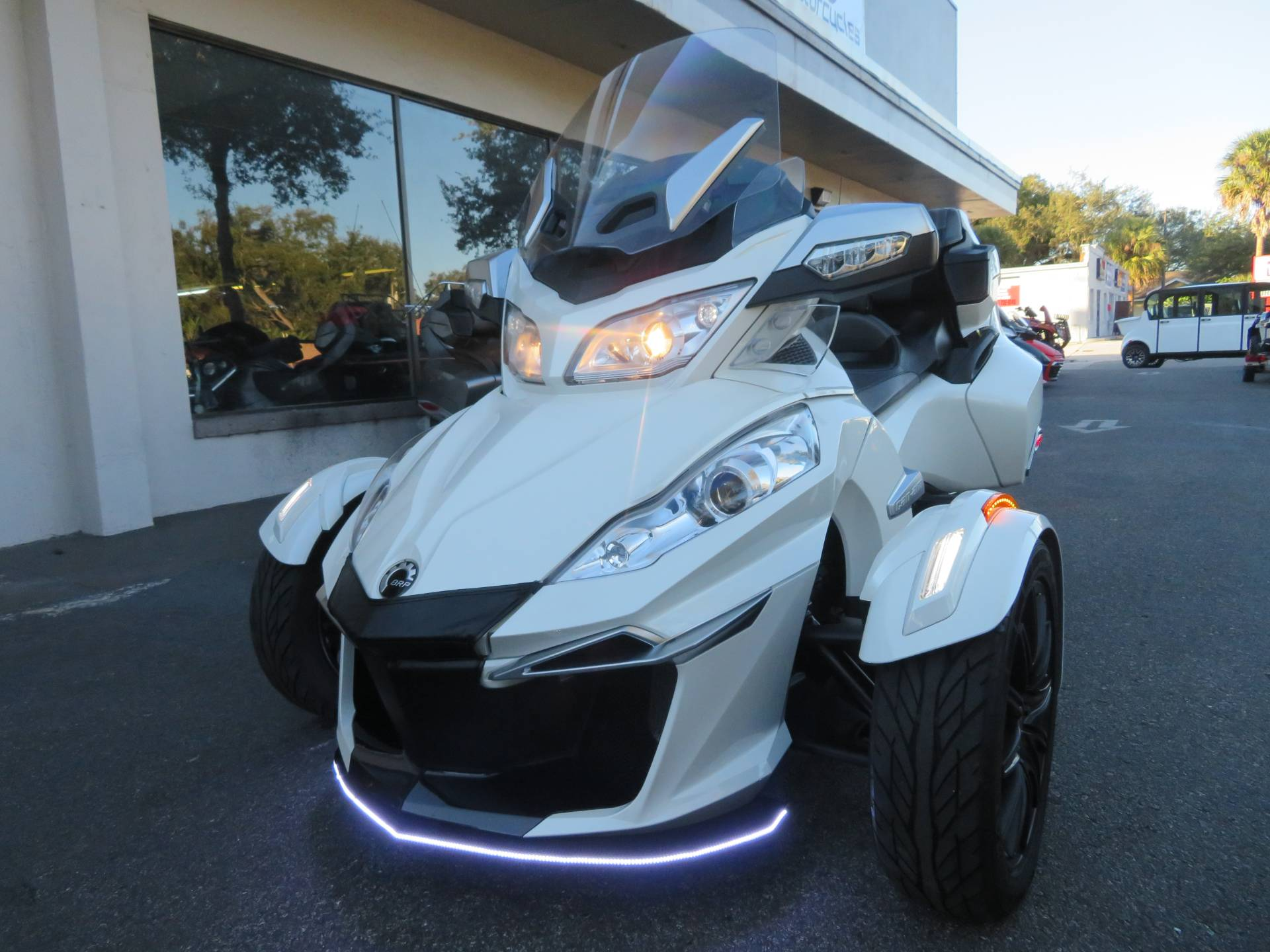 2016 Can-Am Spyder RT-S SE6 in Sanford, Florida - Photo 5