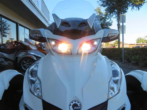 2016 Can-Am Spyder RT-S SE6 in Sanford, Florida - Photo 17
