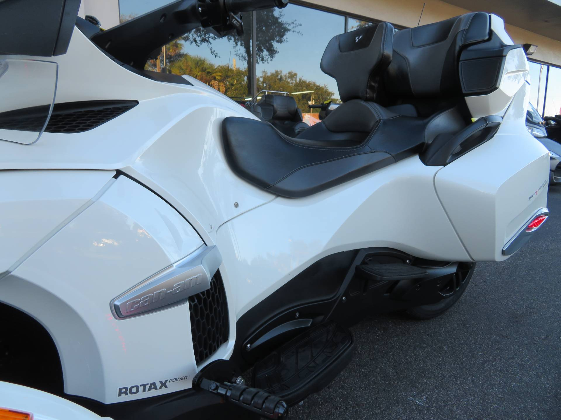 2016 Can-Am Spyder RT-S SE6 in Sanford, Florida - Photo 19