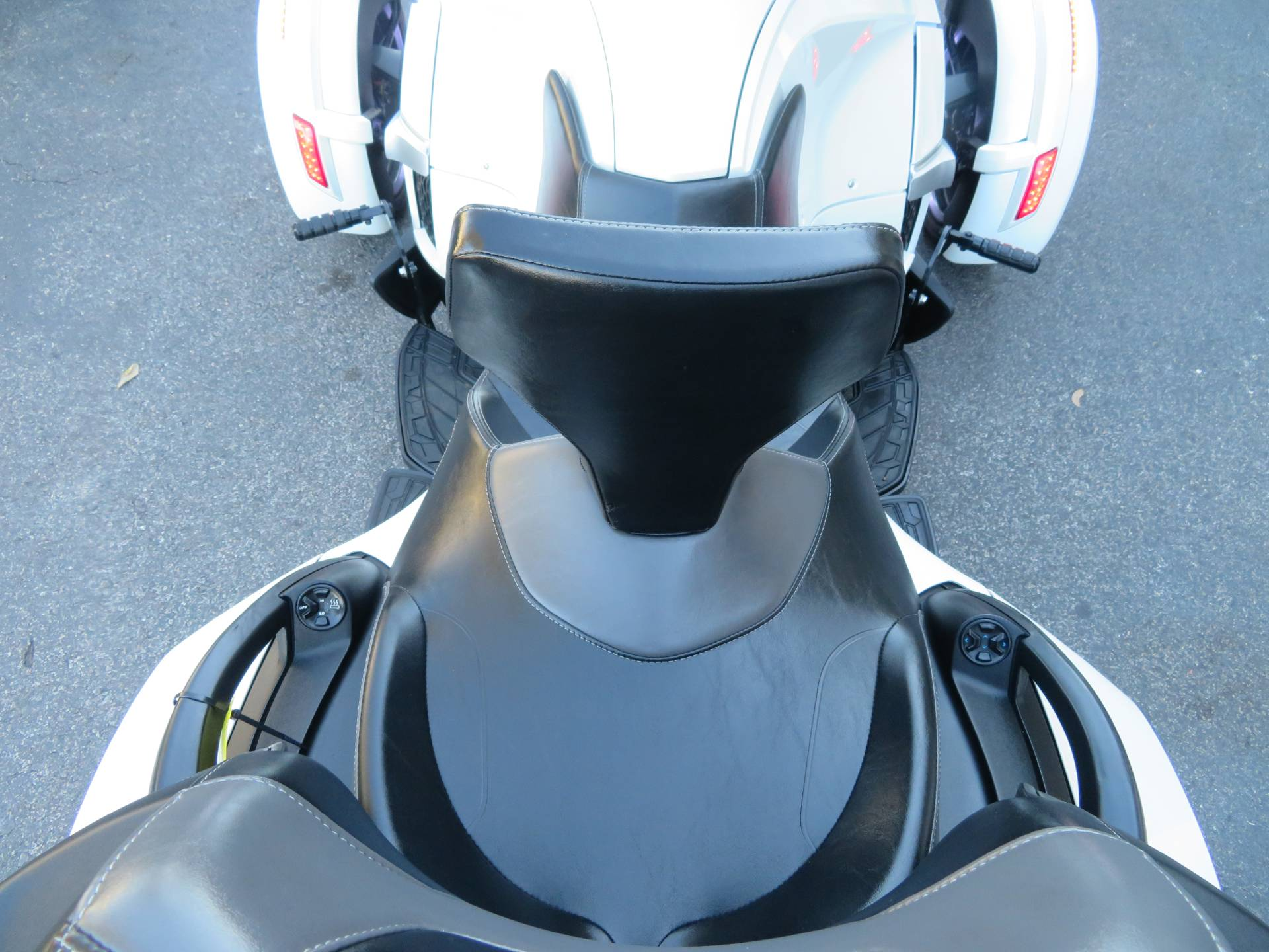 2016 Can-Am Spyder RT-S SE6 in Sanford, Florida - Photo 27
