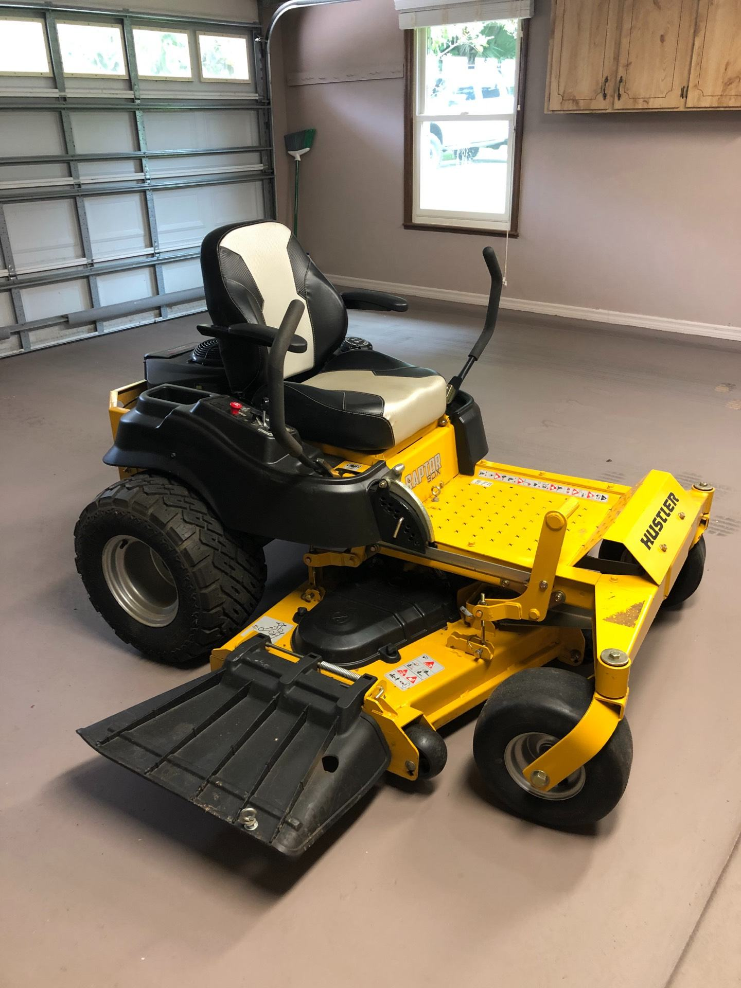 2019 Hustler Turf Equipment Raptor SDX 54 in. Kawasaki 23 hp in Sanford, Florida - Photo 1