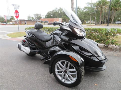 2015 Can-Am Spyder® ST-S SM5 in Sanford, Florida - Photo 2