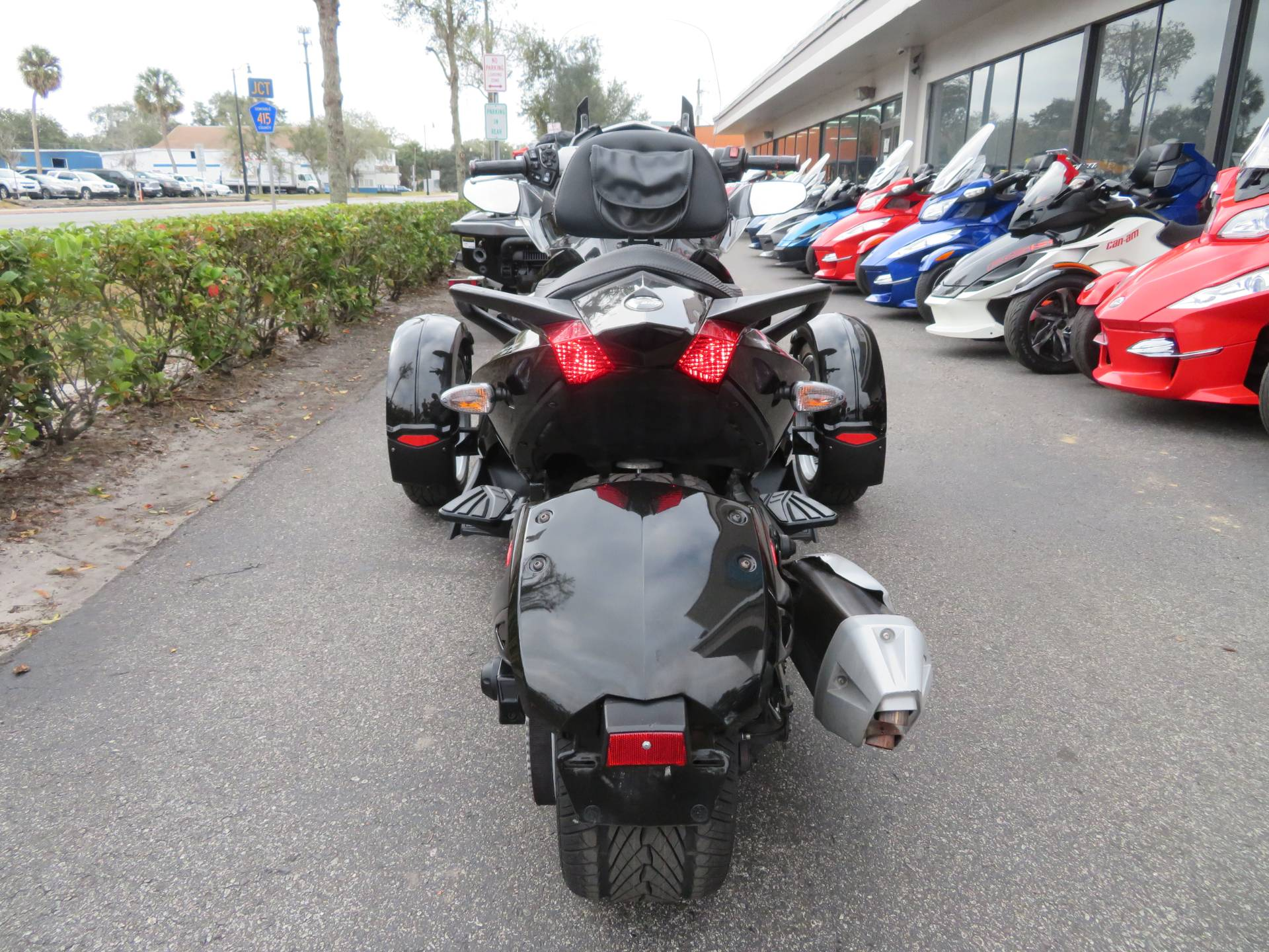 2015 Can-Am Spyder® ST-S SM5 in Sanford, Florida - Photo 9