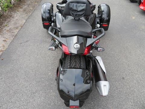 2015 Can-Am Spyder® ST-S SM5 in Sanford, Florida - Photo 22