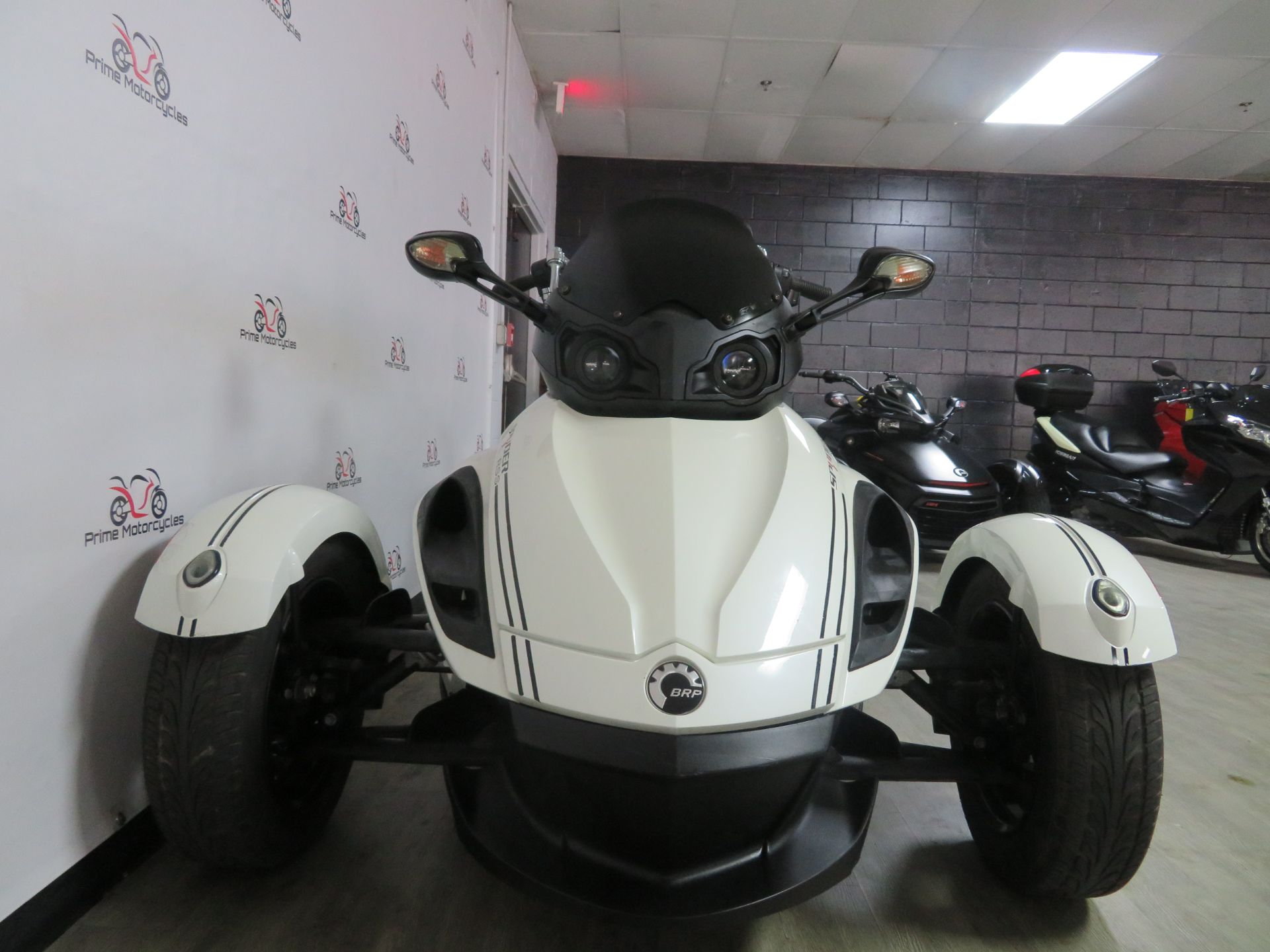 2010 Can-Am Spyder® RS-S SE5 in Sanford, Florida - Photo 4