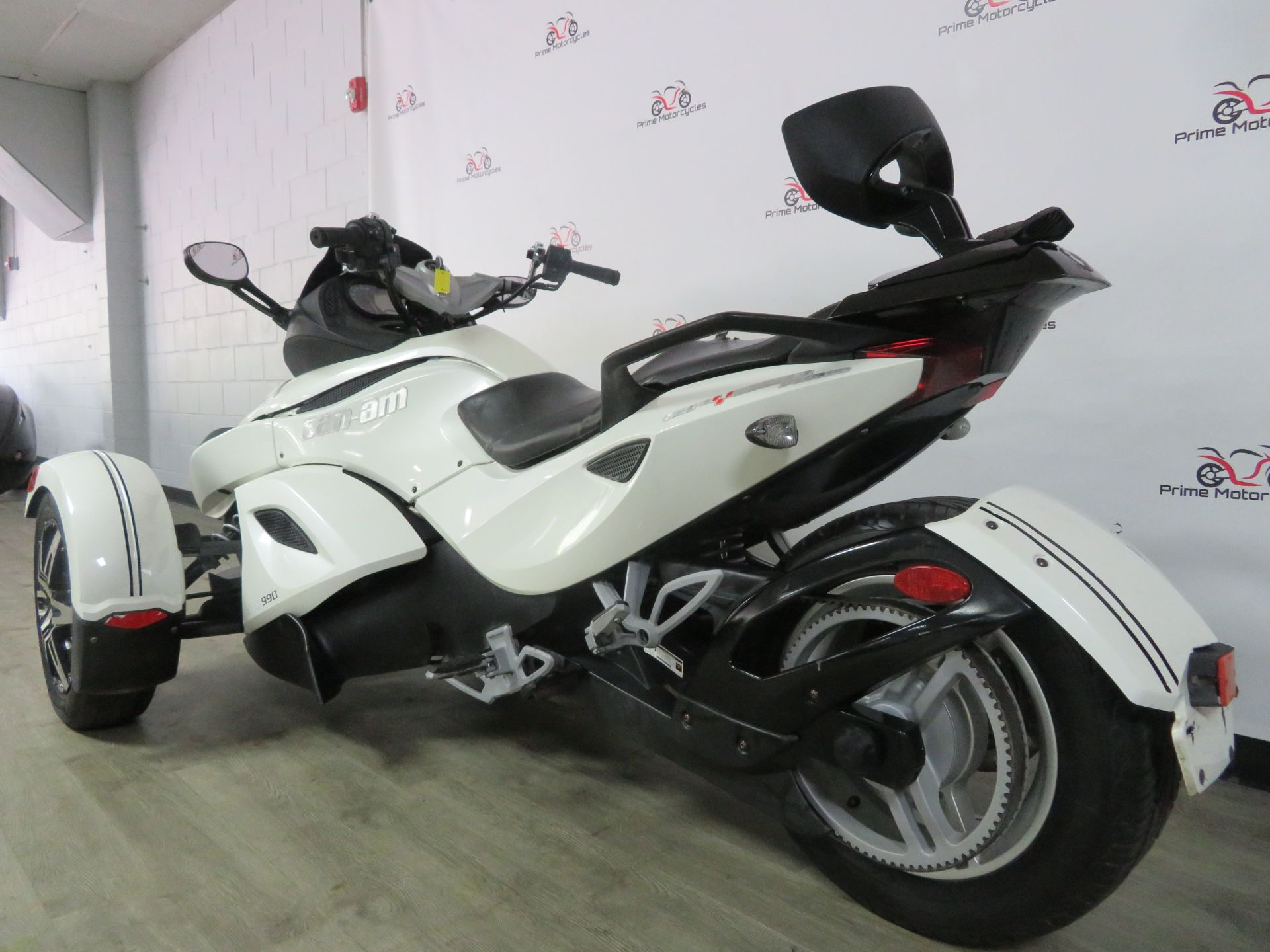 2010 Can-Am Spyder® RS-S SE5 in Sanford, Florida - Photo 10