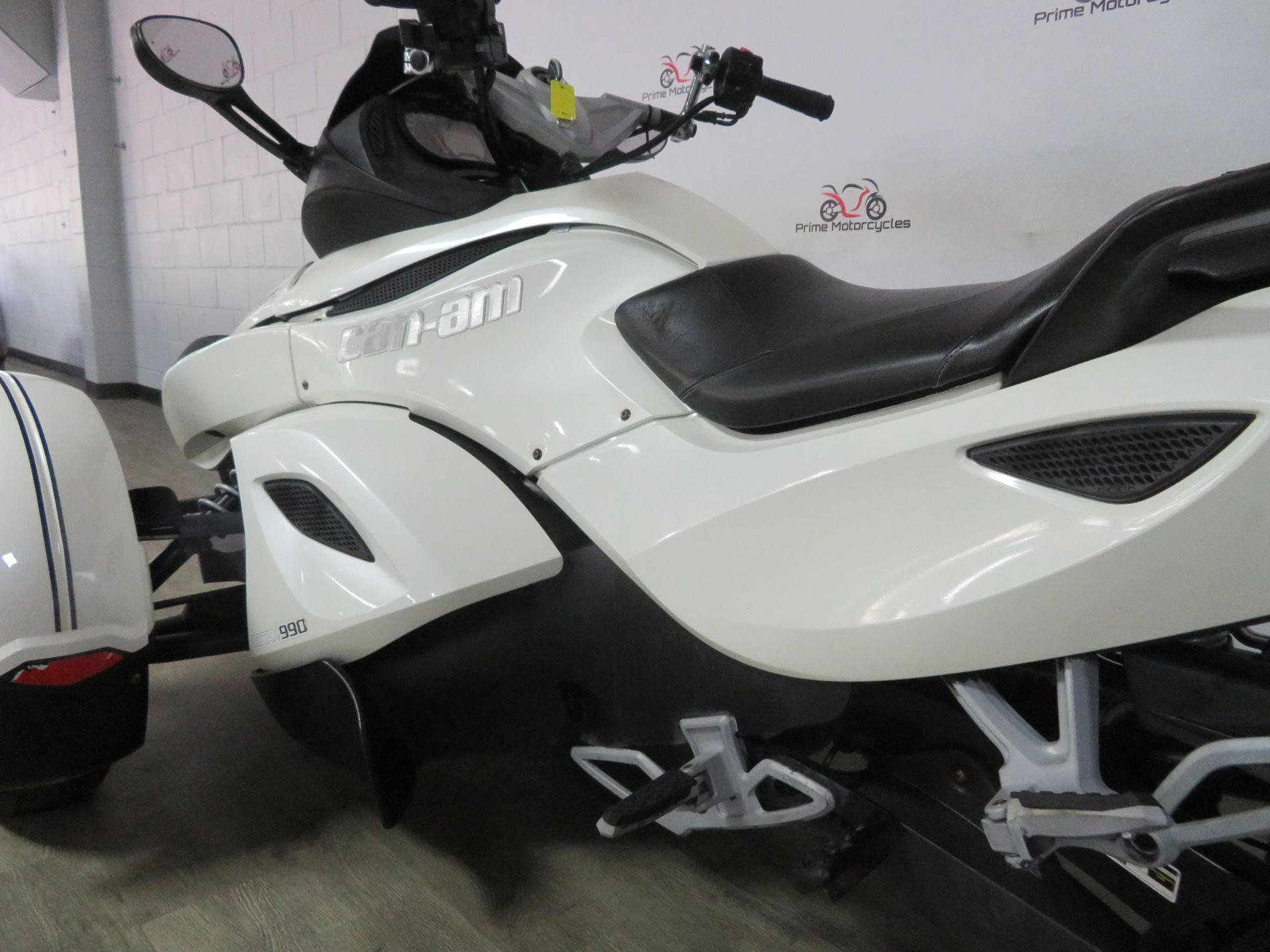 2010 Can-Am Spyder® RS-S SE5 in Sanford, Florida - Photo 12