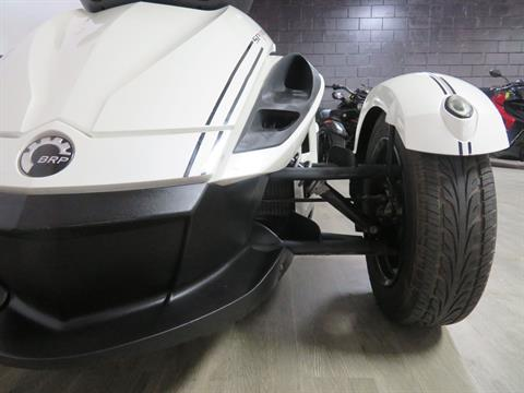 2010 Can-Am Spyder® RS-S SE5 in Sanford, Florida - Photo 15