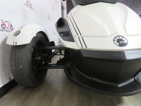 2010 Can-Am Spyder® RS-S SE5 in Sanford, Florida - Photo 16