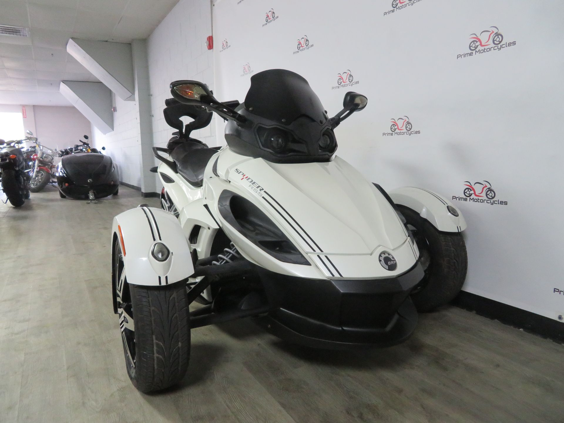 2010 Can-Am Spyder® RS-S SE5 in Sanford, Florida - Photo 5