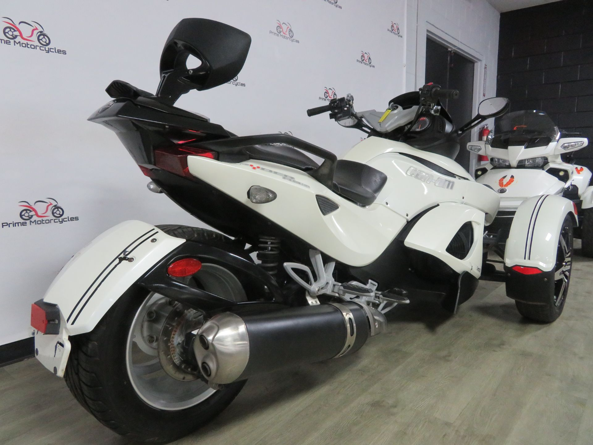2010 Can-Am Spyder® RS-S SE5 in Sanford, Florida - Photo 8