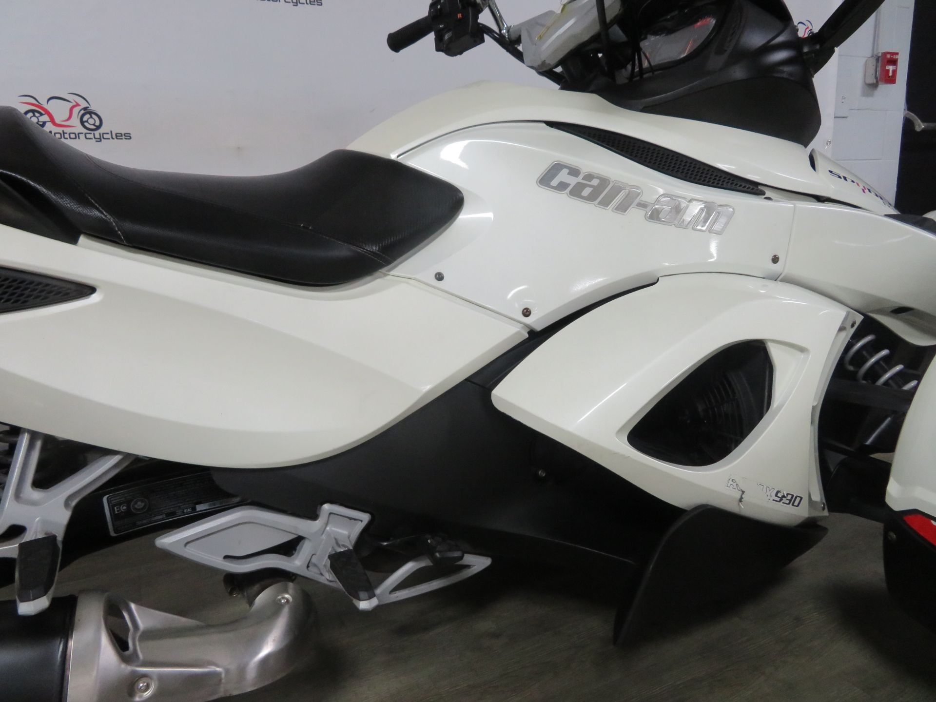 2010 Can-Am Spyder® RS-S SE5 in Sanford, Florida - Photo 20
