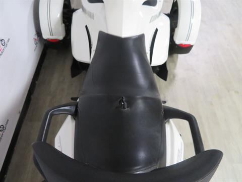 2010 Can-Am Spyder® RS-S SE5 in Sanford, Florida - Photo 24