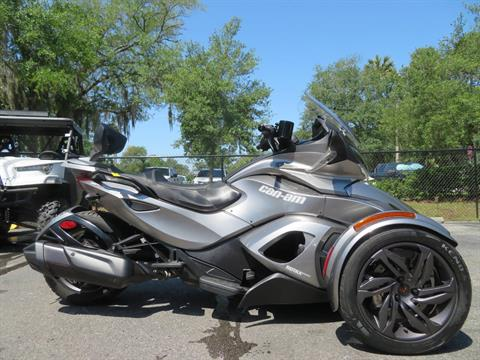 2013 Can-Am Spyder® ST-S SE5 in Sanford, Florida - Photo 1