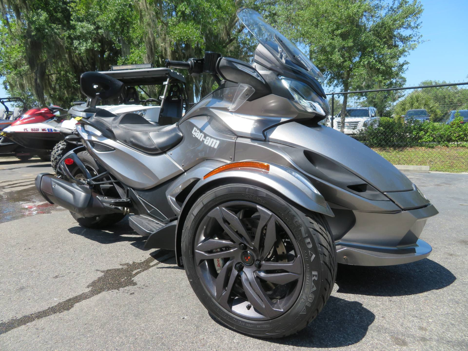 2013 Can-Am Spyder® ST-S SE5 in Sanford, Florida - Photo 2