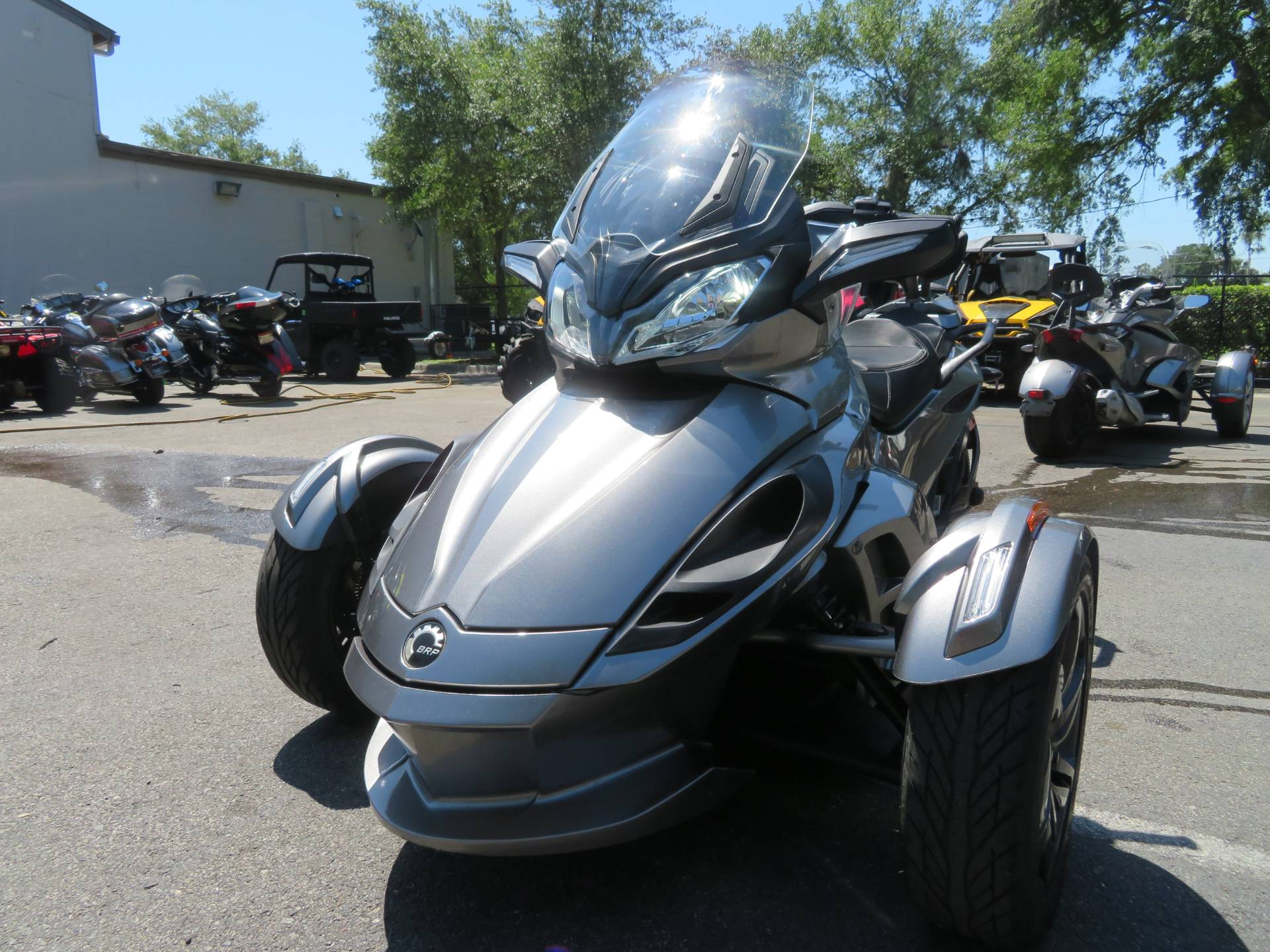 2013 Can-Am Spyder® ST-S SE5 in Sanford, Florida - Photo 5