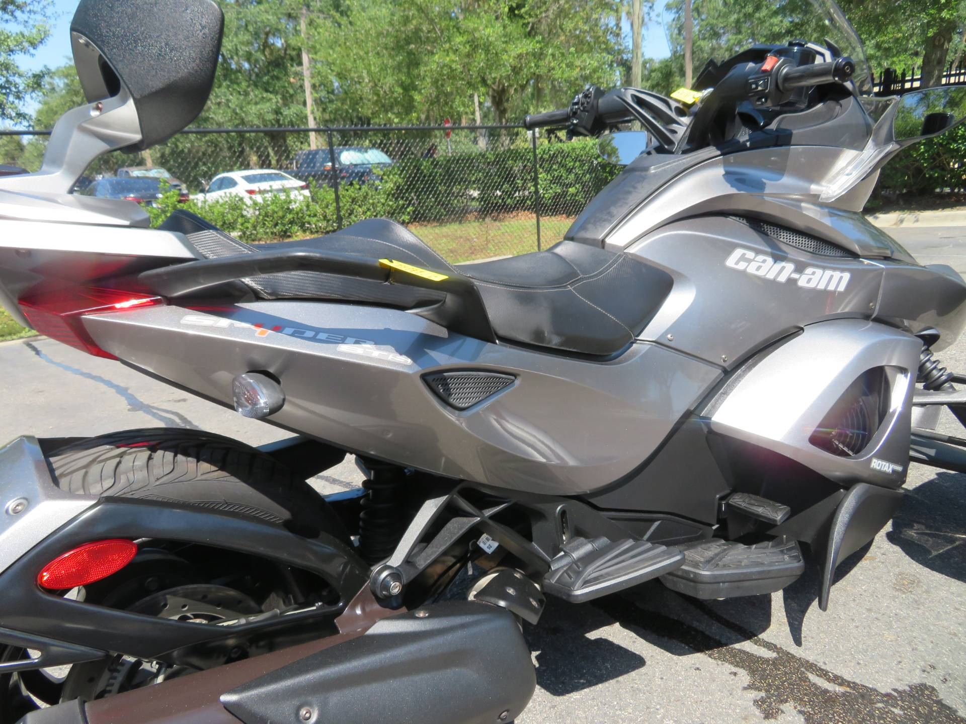 2013 Can-Am Spyder® ST-S SE5 in Sanford, Florida - Photo 12