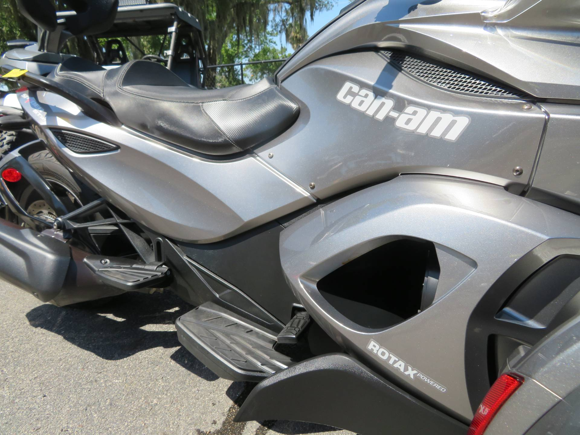 2013 Can-Am Spyder® ST-S SE5 in Sanford, Florida - Photo 13