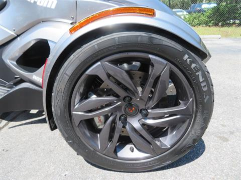 2013 Can-Am Spyder® ST-S SE5 in Sanford, Florida - Photo 14
