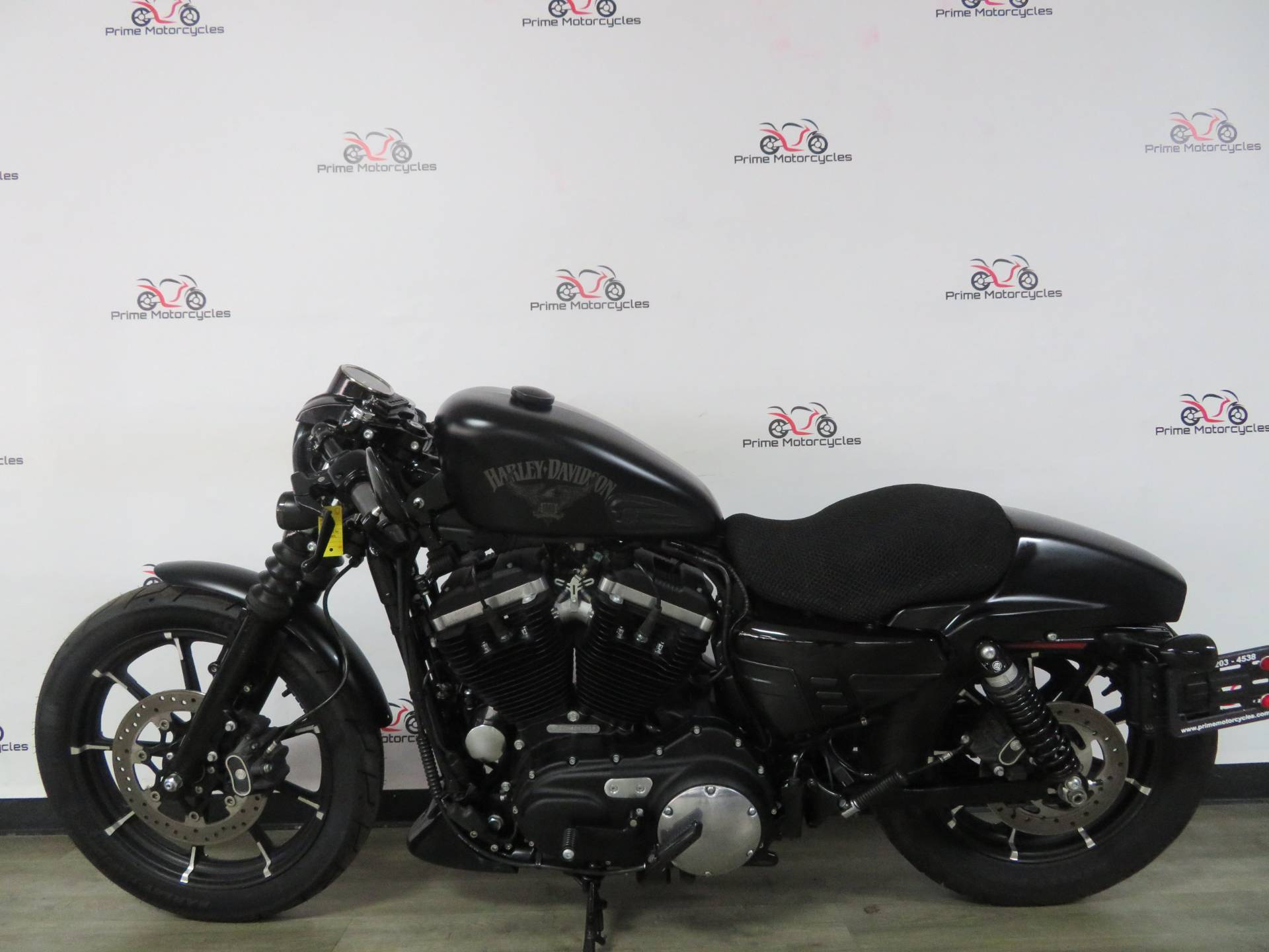 2017 Harley-Davidson Sportster Iron 883 in Sanford, Florida - Photo 1