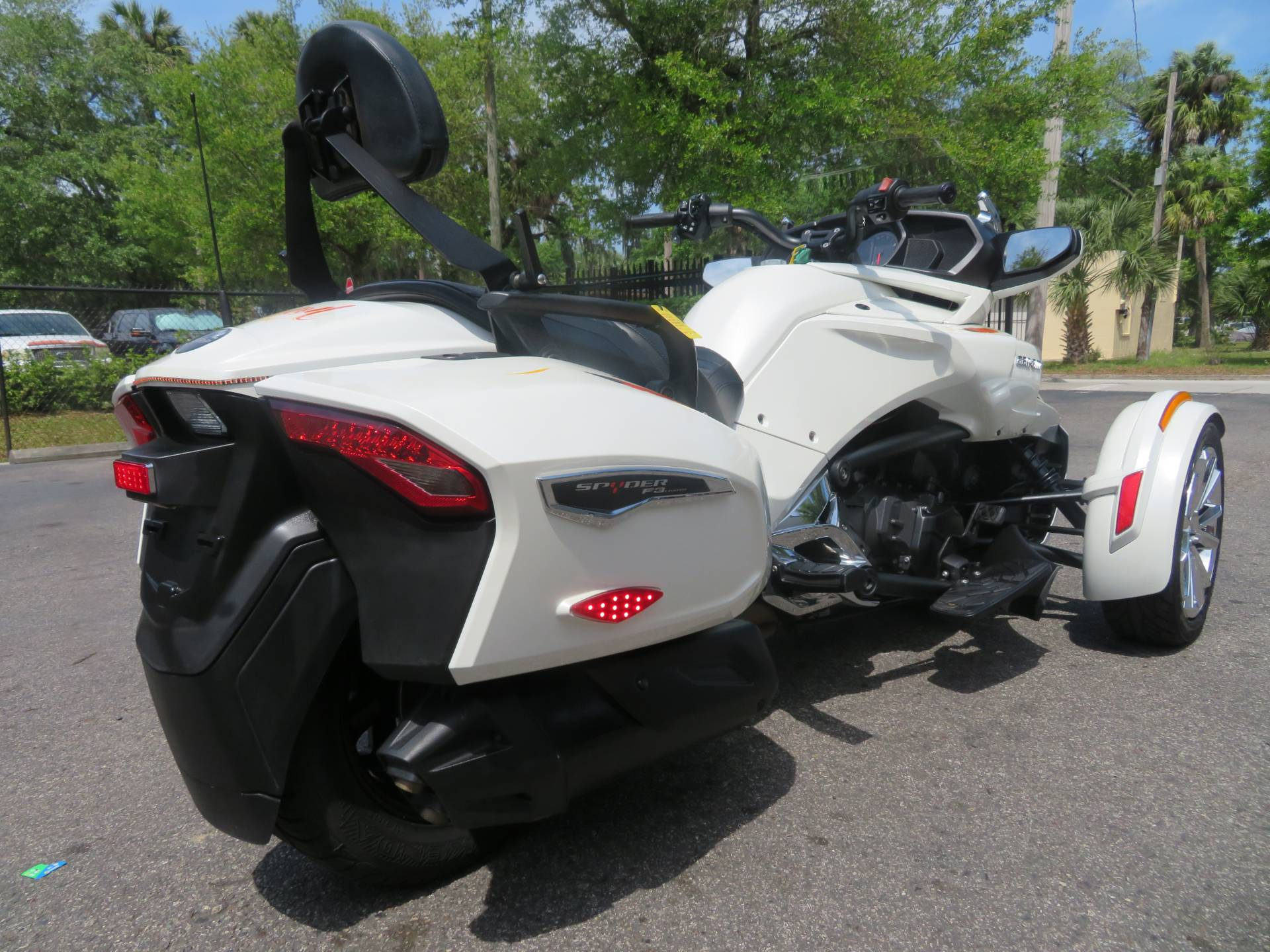 2016 Can-Am Spyder F3 Limited in Sanford, Florida - Photo 10