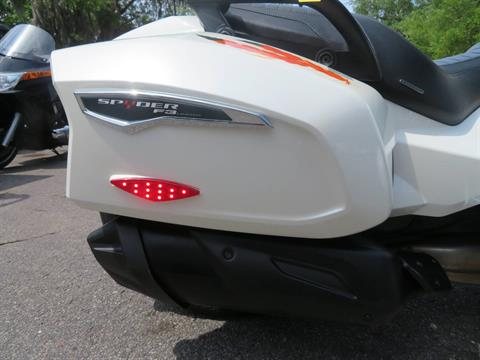 2016 Can-Am Spyder F3 Limited in Sanford, Florida - Photo 11