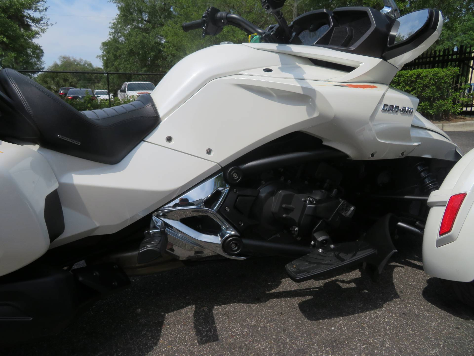 2016 Can-Am Spyder F3 Limited in Sanford, Florida - Photo 12