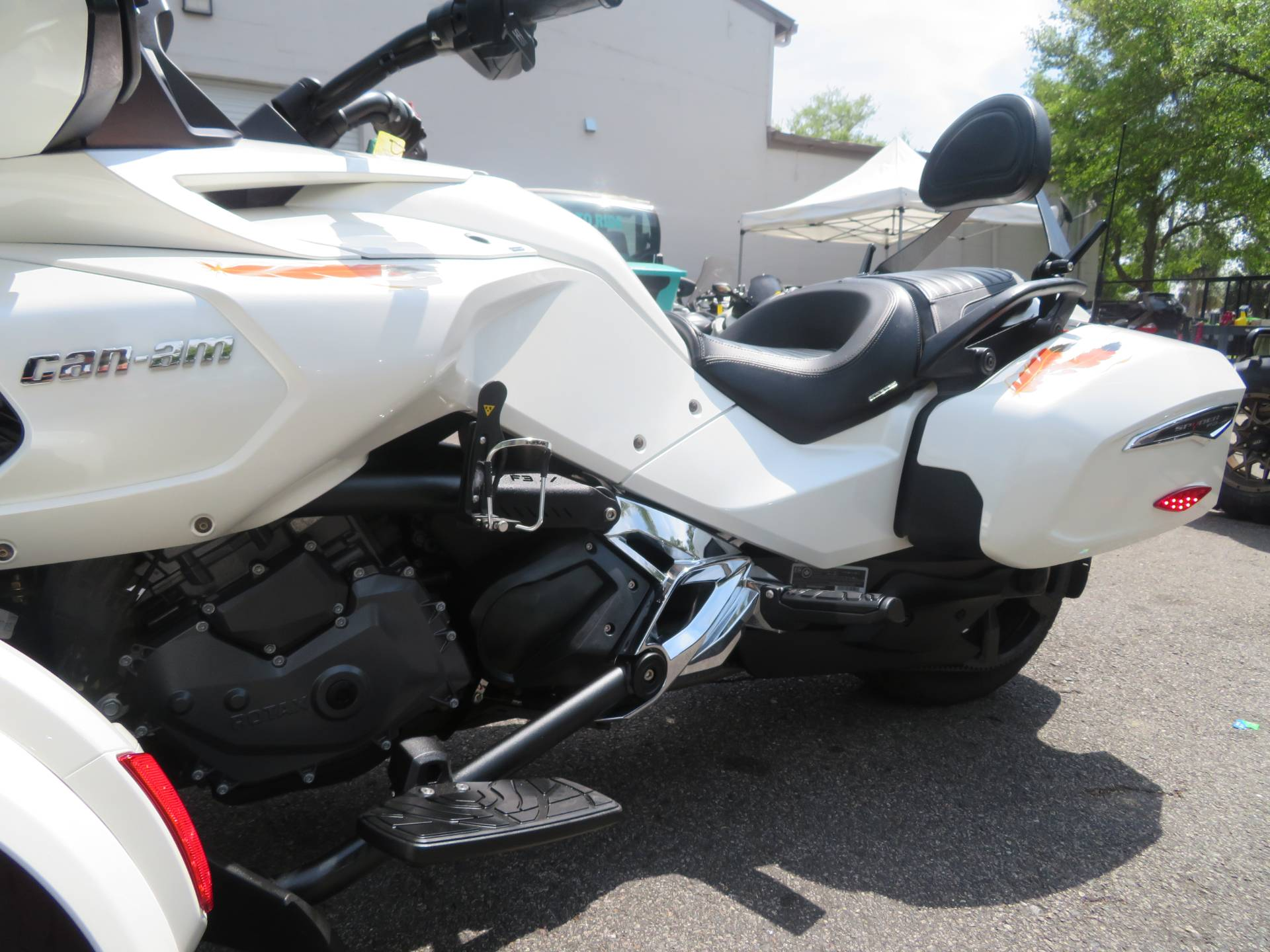 2016 Can-Am Spyder F3 Limited in Sanford, Florida - Photo 19