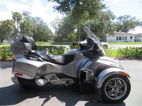 2012 Can-Am Spyder® RT-S SE5 in Sanford, Florida - Photo 1