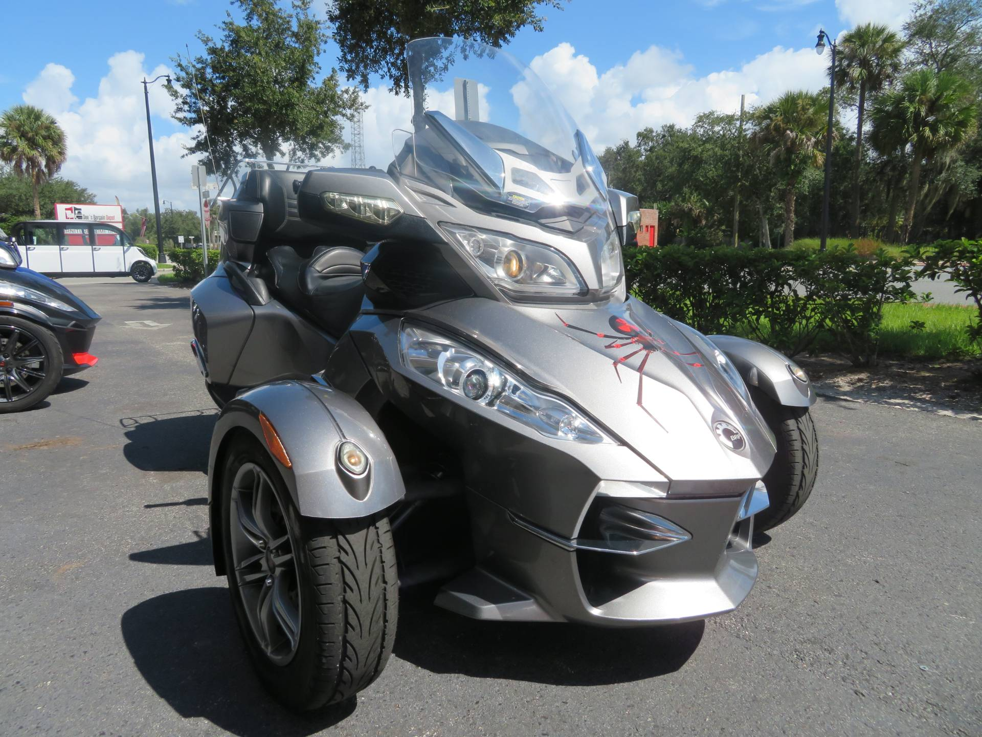 2012 Can-Am Spyder® RT-S SE5 in Sanford, Florida - Photo 3