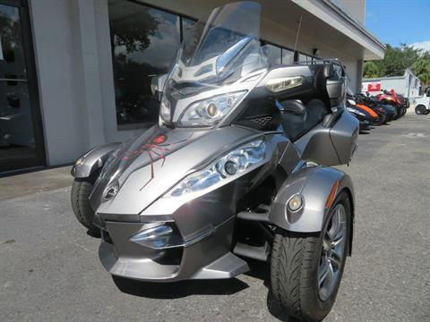 2012 Can-Am Spyder® RT-S SE5 in Sanford, Florida - Photo 5