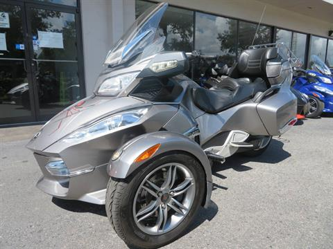 2012 Can-Am Spyder® RT-S SE5 in Sanford, Florida - Photo 6