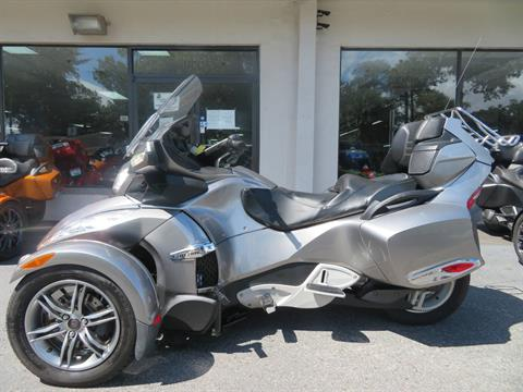 2012 Can-Am Spyder® RT-S SE5 in Sanford, Florida - Photo 7