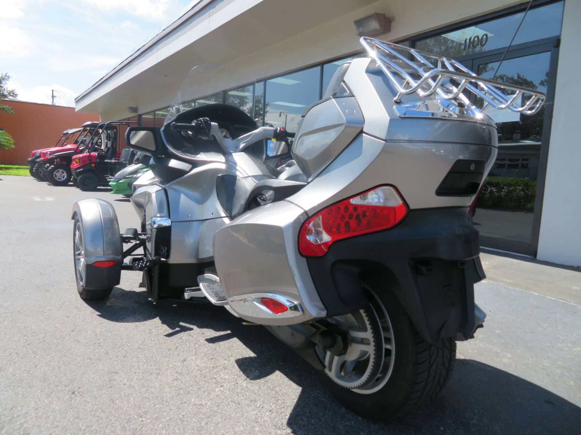 2012 Can-Am Spyder® RT-S SE5 in Sanford, Florida - Photo 8