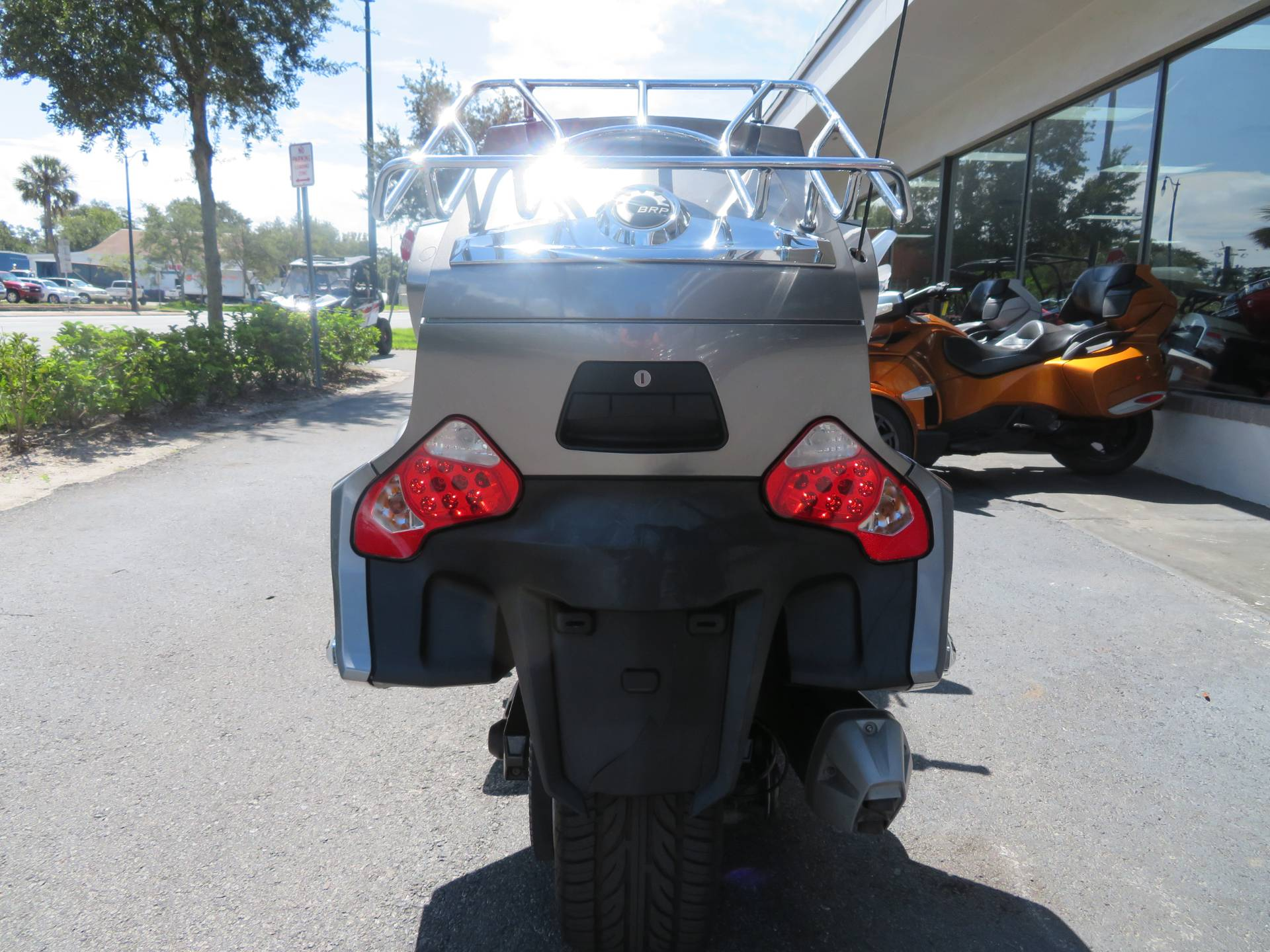 2012 Can-Am Spyder® RT-S SE5 in Sanford, Florida - Photo 9