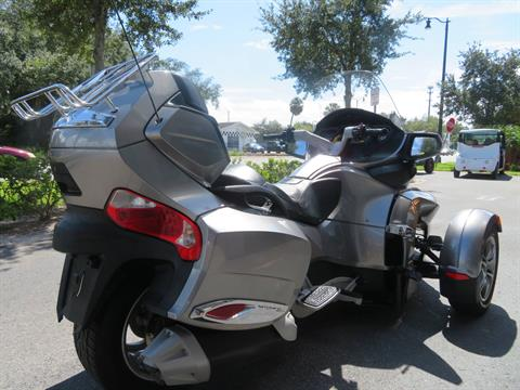 2012 Can-Am Spyder® RT-S SE5 in Sanford, Florida - Photo 10
