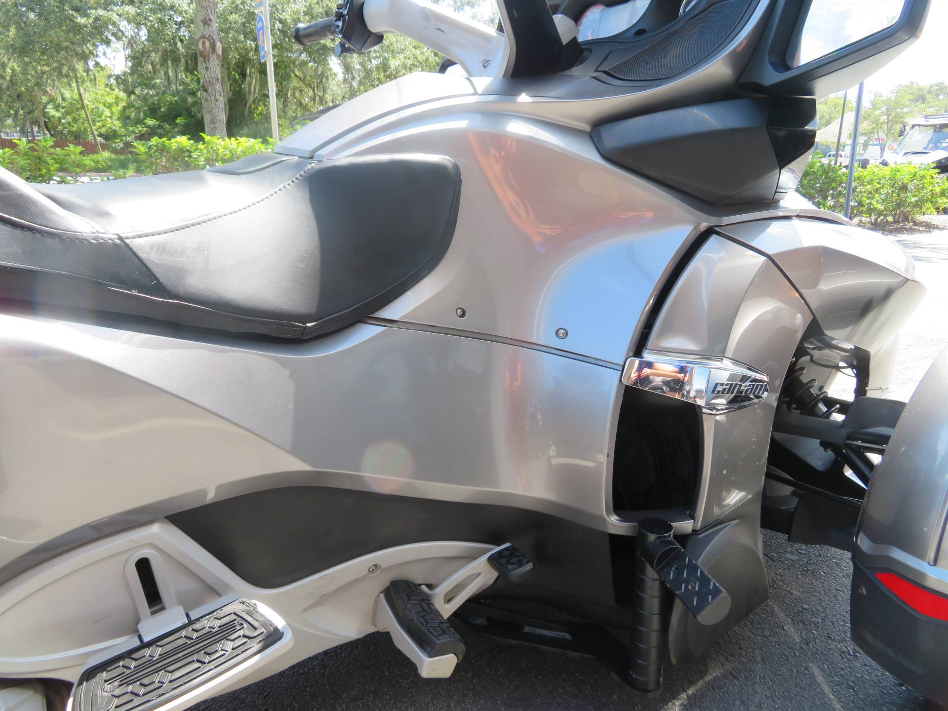 2012 Can-Am Spyder® RT-S SE5 in Sanford, Florida - Photo 12