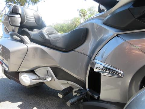2012 Can-Am Spyder® RT-S SE5 in Sanford, Florida - Photo 13