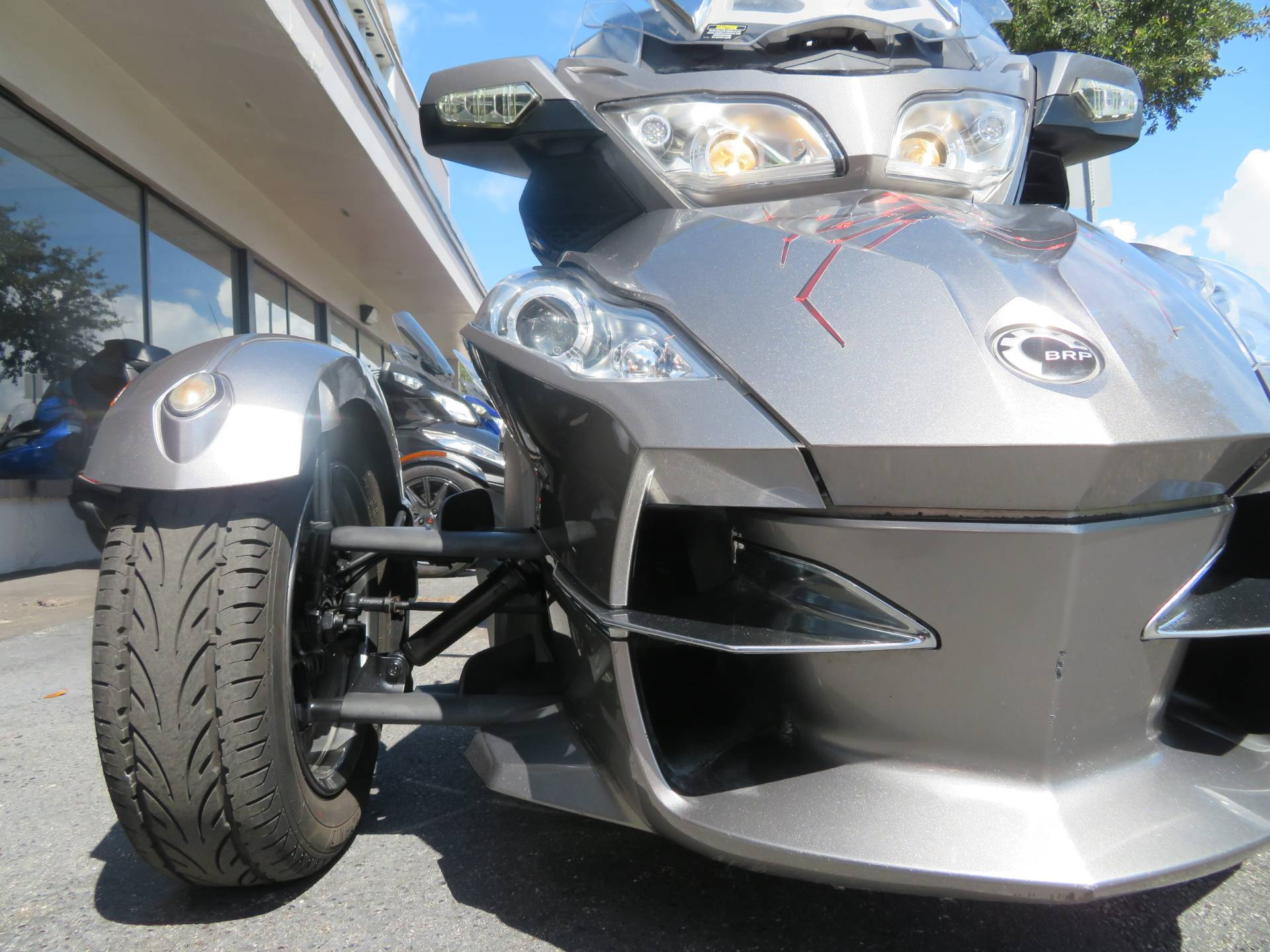 2012 Can-Am Spyder® RT-S SE5 in Sanford, Florida - Photo 14