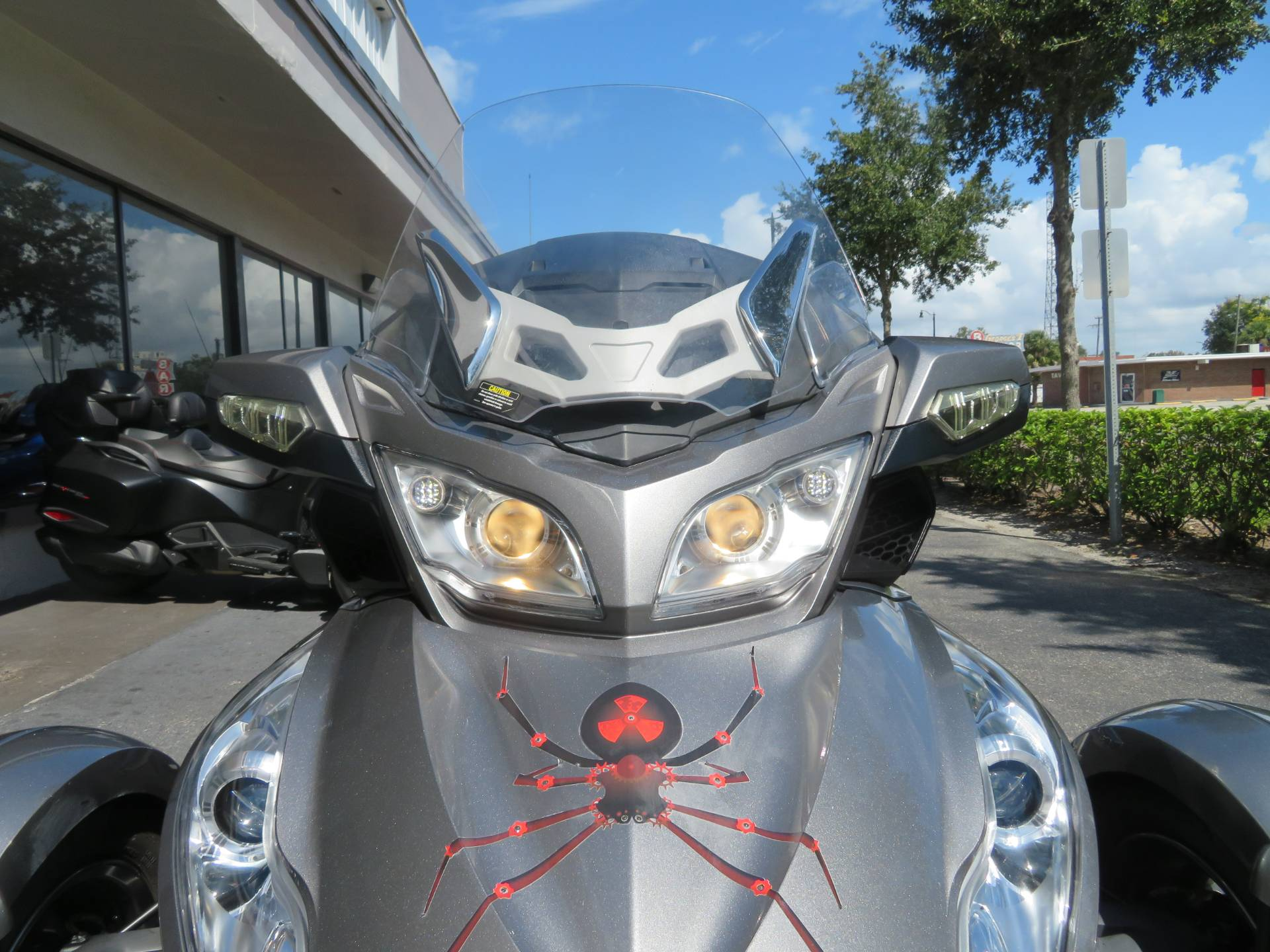 2012 Can-Am Spyder® RT-S SE5 in Sanford, Florida - Photo 16