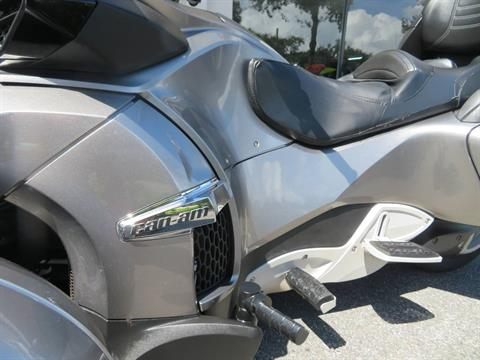 2012 Can-Am Spyder® RT-S SE5 in Sanford, Florida - Photo 18