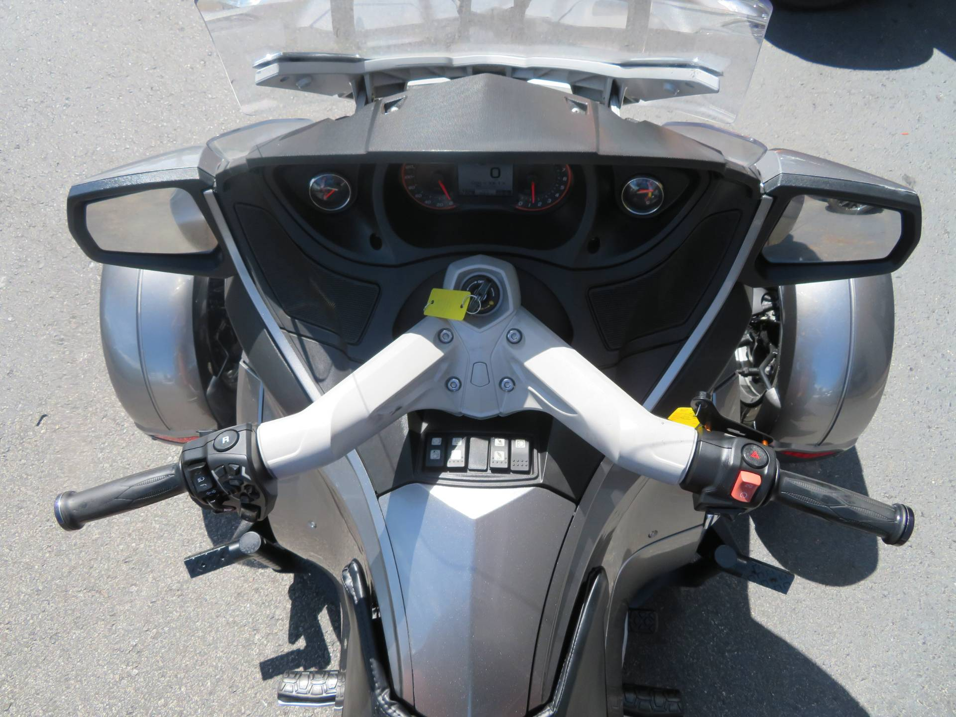 2012 Can-Am Spyder® RT-S SE5 in Sanford, Florida - Photo 27