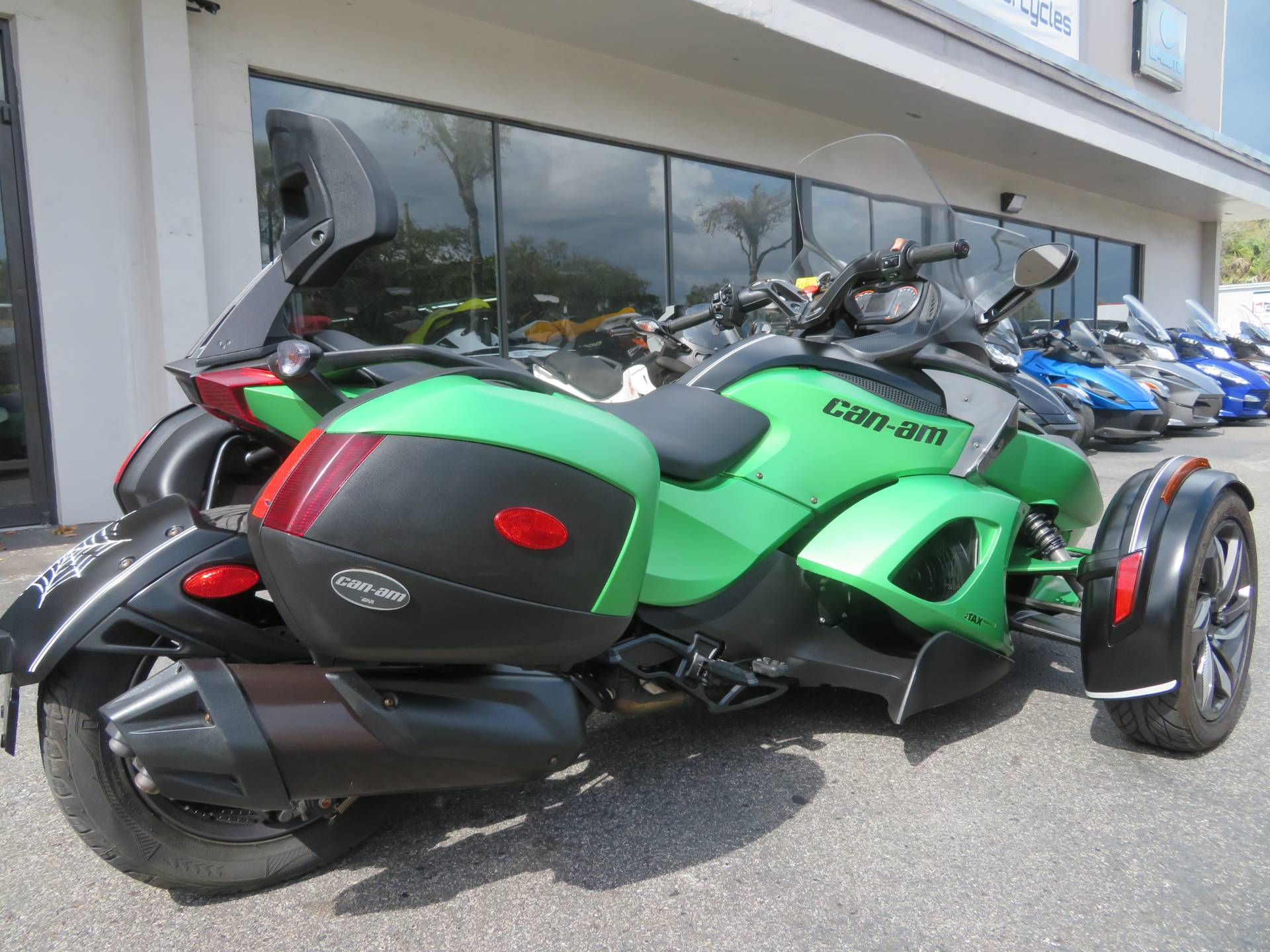 2013 Can-Am Spyder® RS-S SE5 in Sanford, Florida - Photo 8