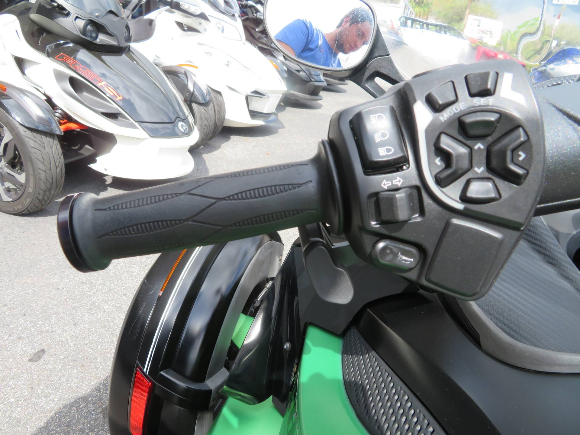 2013 Can-Am Spyder® RS-S SE5 in Sanford, Florida - Photo 27