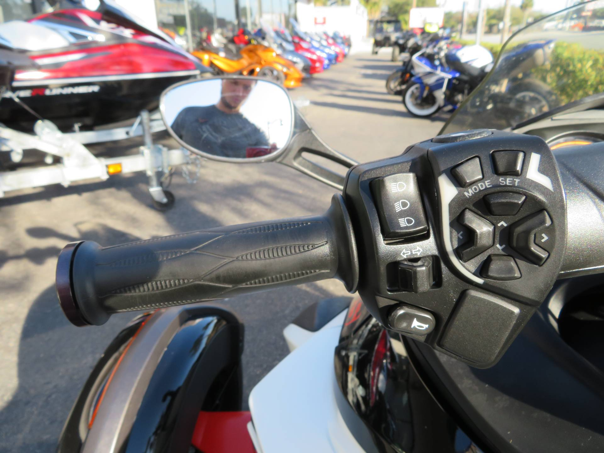 2014 Can-Am Spyder® RS-S SM5 in Sanford, Florida - Photo 25